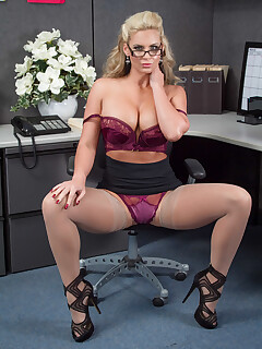 Pornstar nylon porn pictures