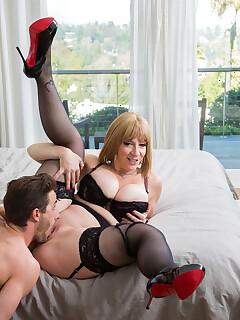 Hotwife nylon porn pictures