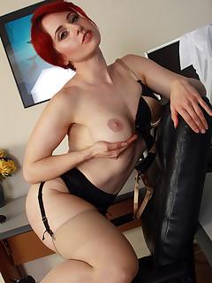 Mature Nylon Porn
