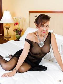 Ronis Paradise Nylon Porn