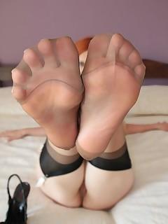 Feet nylon porn pictures