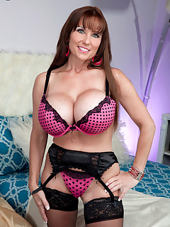 Big Tits nylon porn pictures