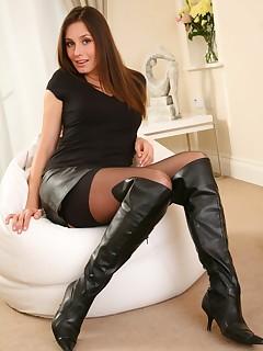Skirt nylon porn pictures